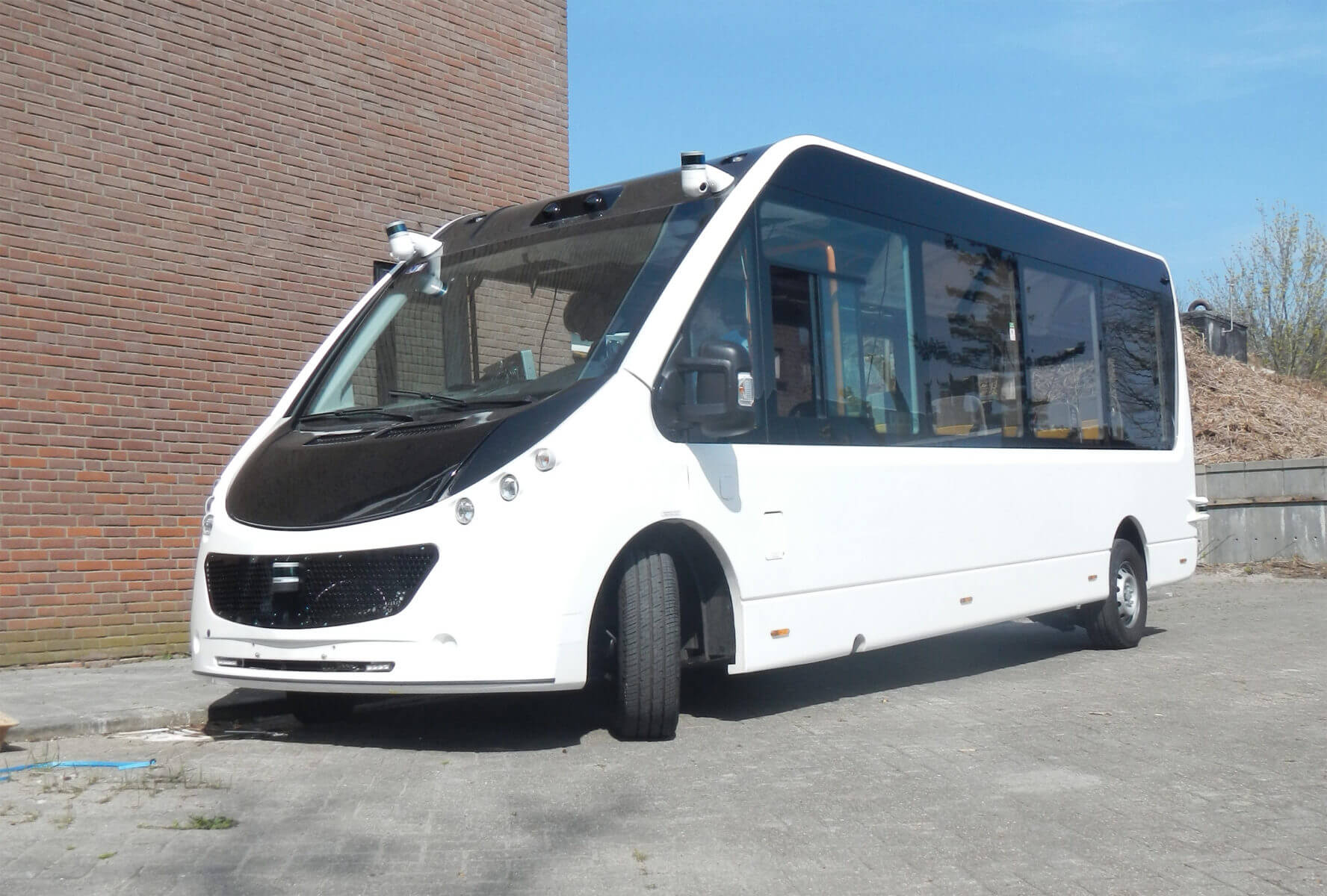 Autonomous Mission passenger bus with velodyne sensors
