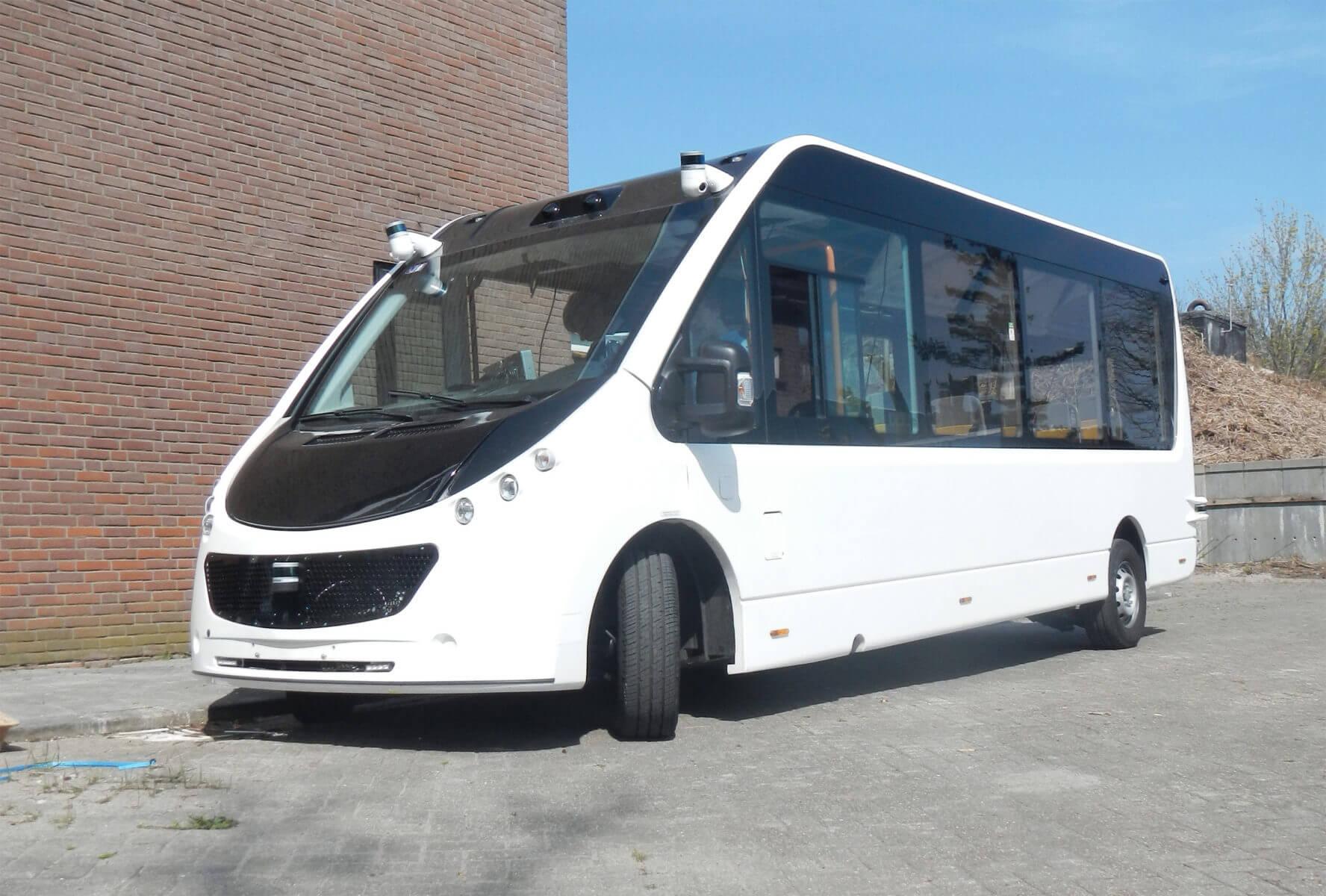 Aanzicht autonome Mission bus met sensoren