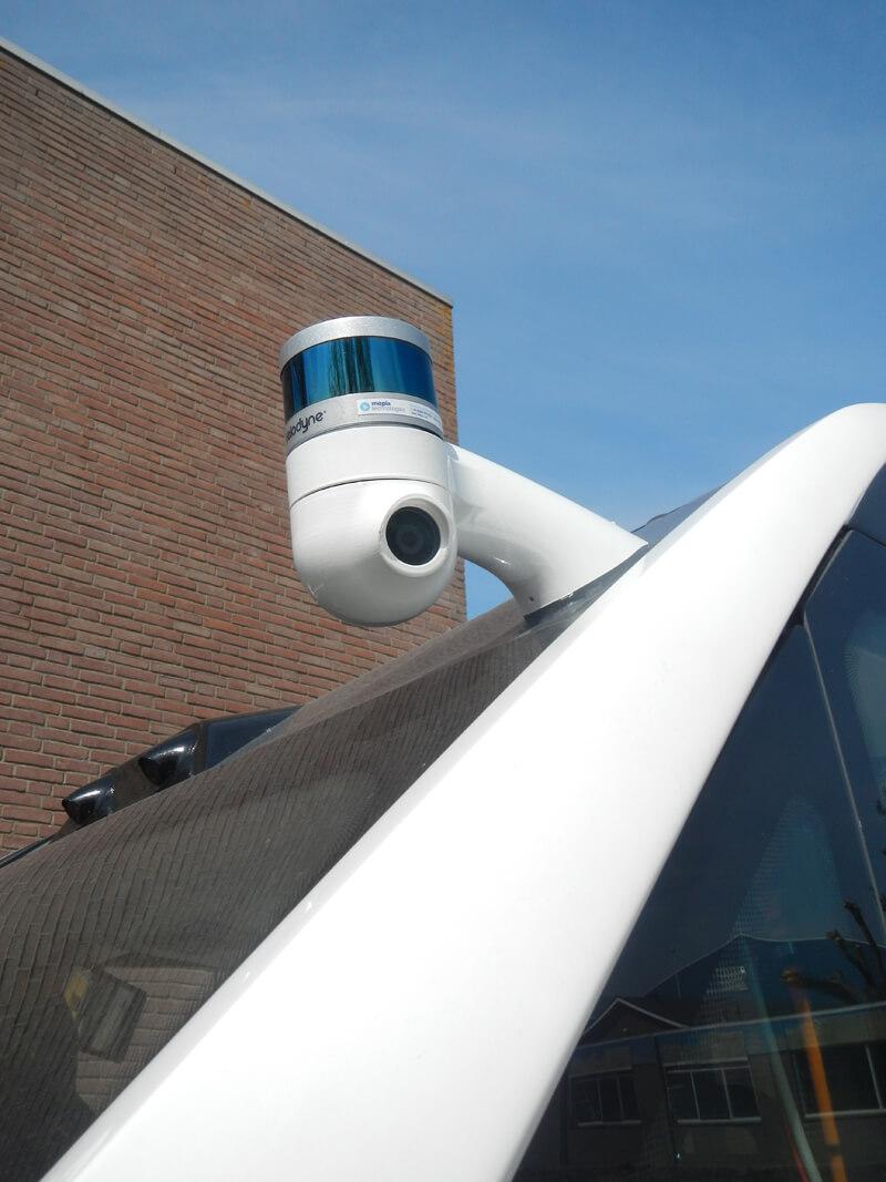 Autonome mission bus met velodyne sensor