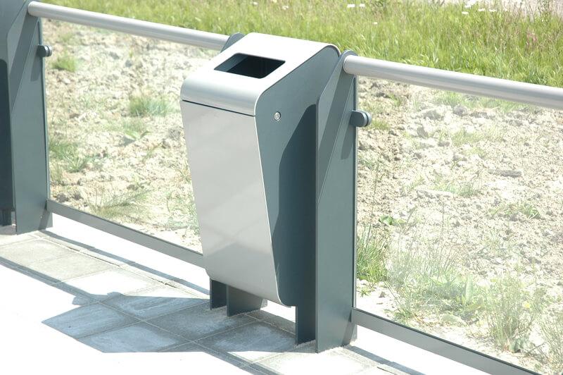 R-Net trash bin