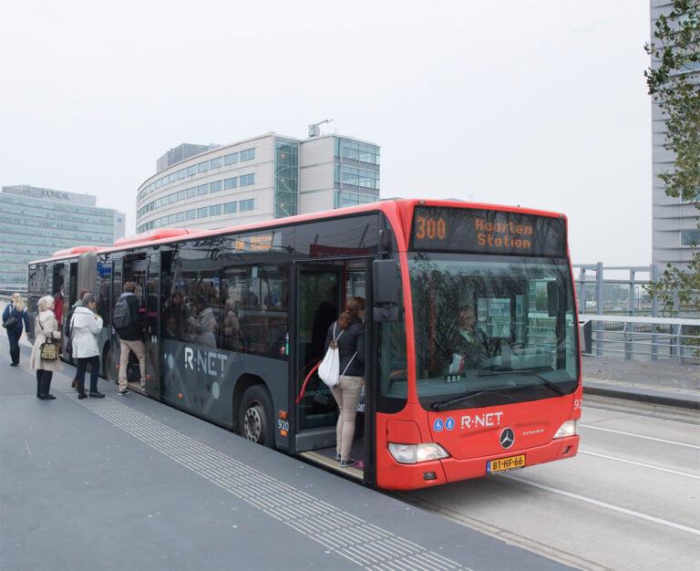 R-Net bus instappen